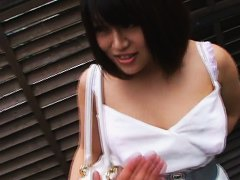 Asian babe shows small boobs in downblouse video