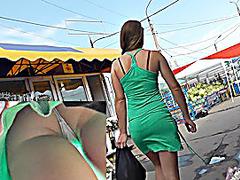 Hot playgirl shows her upskirt gazoo