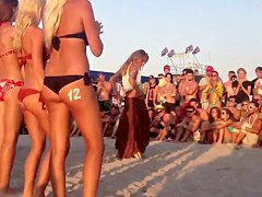 Lindas colas playa europa