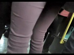 Candid butt video of amateur girl in the tight pants