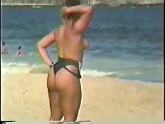 Walking beach booty jiggling butt cheeks - 01
