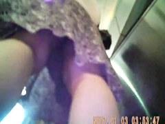 filmer sous les jupes des femmes