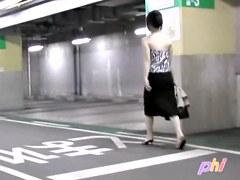 Walking down the indoor parking lot and top sharking video