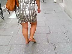 Bbw: big ass and nice legs walking