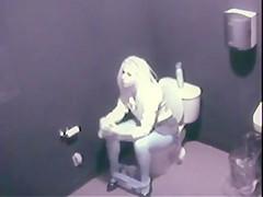 toilet spycam (strak)