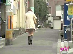 Staying back to the spy cam girl gets on sharking vid