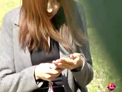 Hot babe got naked by some guys in the park sharking video