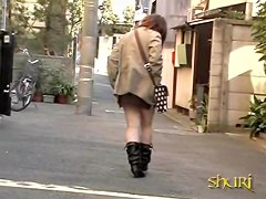 Asian sharking video showing a chubby Japanese hottie