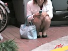 Kinky voyeur street sharks the lady's smelly panties