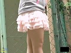 Amazing upskirt video where girls don't mind being filmed