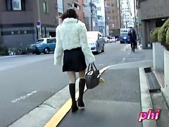 Slender Japan teen got her skirt sharked in the street