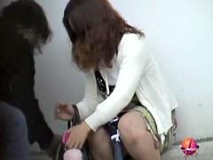 Public sharking vid featuring a brunette Japanese chick