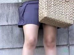 Man sharking teenage panty on the spy cam