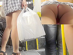 Real upskirt in bus presents pretty girl's butt