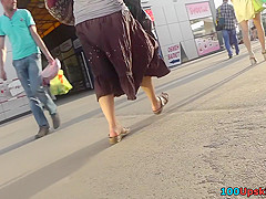 Upskirt panty view was caught by crafty cameraman