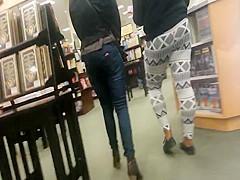 Candid - Ebony Milf in Leggings