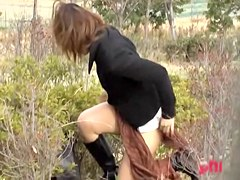 Sexy Japanese slag loses her skirt after someone steals it from her