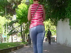 spanish candid big booty milf
