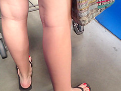 Latina feet out shopping