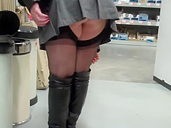shopping in b and q