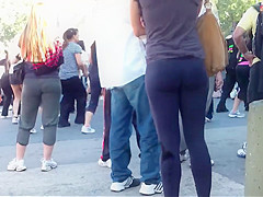 Spying a beautiful girl in tight pants