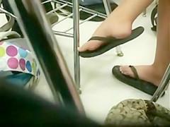 Teeny feety in class.