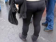 Ricos leggins negros en marcha