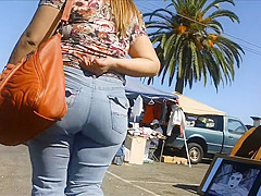 Candid Booty 30