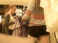 Teens shoppin' (Graz 8)