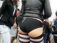 hot white slut bubble butt jiggling omg!!