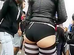 hot white slut bubble butt jiggling omg!!