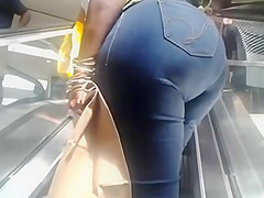 nice ass on the escalator