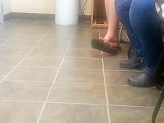 Candid Teen Flip=Flop Shoeplay Dangling Feet