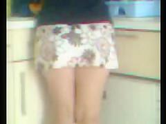 sous la mini-jupe de ma femme