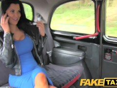 FakeTaxi: Exotic stunner in office break taxi pleasure