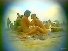 Public video: beach blow job