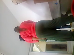 Mostrando o pau no meio de uma reuniao no vestiario