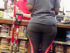 NICE ASS IN TIGHTS