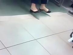 Candid Mall Shoeplay