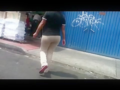 Nalgona en la calle