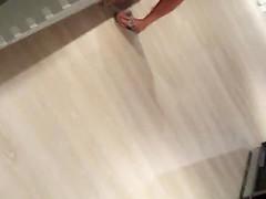 Teenbeine in sexy kurzer shorts
