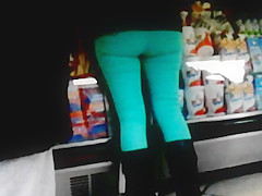 Nalgona En Jeans Verdes