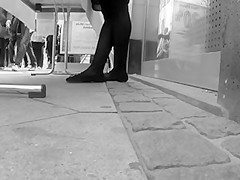 Public Slow Foot Cam l