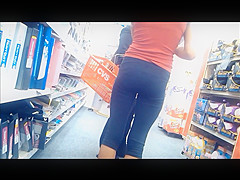 Petite Spanish Chick in Tight Leggings with Panty Lines