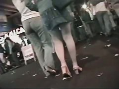 Sexy legs and tight asses in public voyeur clips.