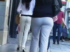 Good candid close-up shots of amazing booties on the street.