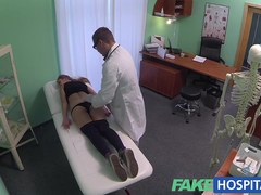 Sexy 20s gymnast tempted by doctor and given creampie on the exam table