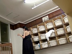 Japanese girl caught naked on changing room spy cam pk10