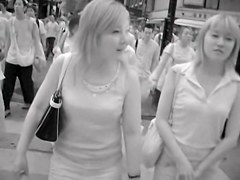 Common girls in the street candid downblouse views RAO-005