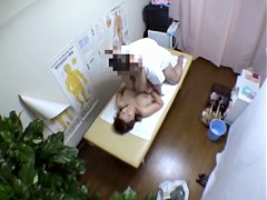 Dirty masseur doing the nasty hardcore massage on voyeur cam